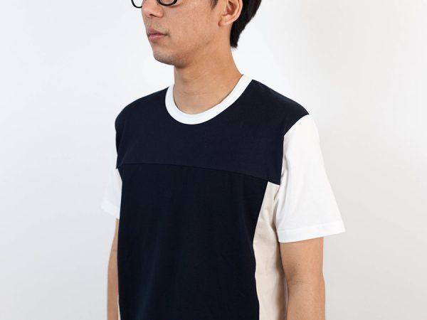 ALOYE アロイ 2017ss ブロック 切り返し グラフィック Tシャツ ブロックのベージュ人物襟元