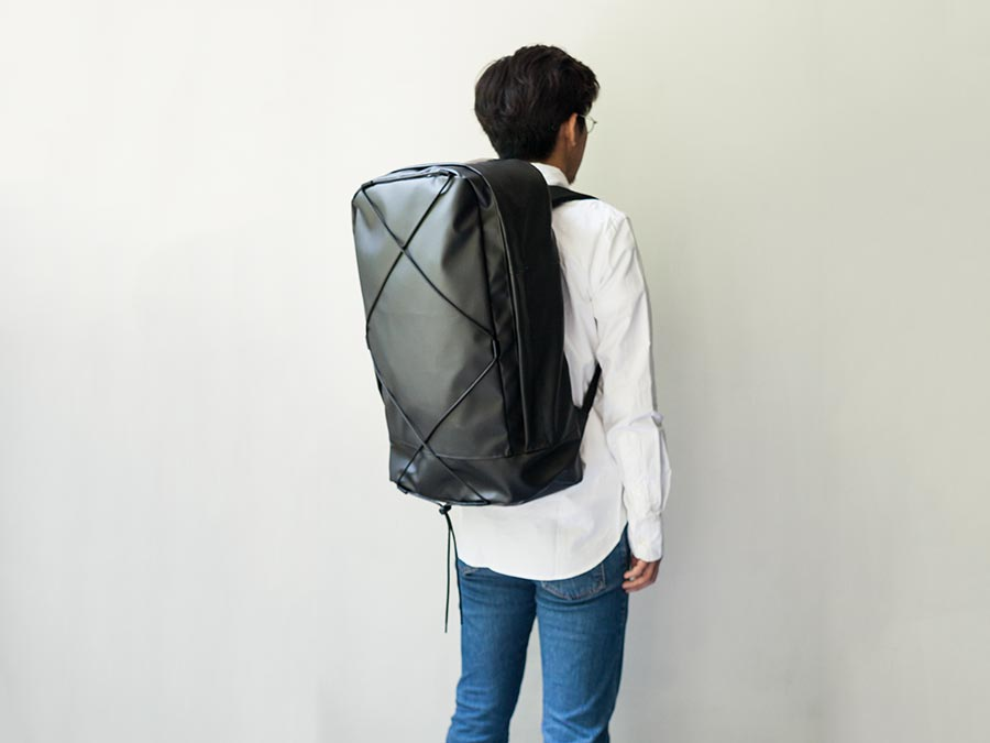 wonder baggage ワンダーバゲージ activate series water-resist pack30 店長との大きさ比較